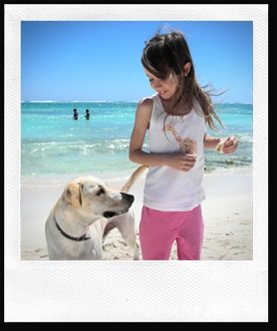 eirene & doggy on the beach